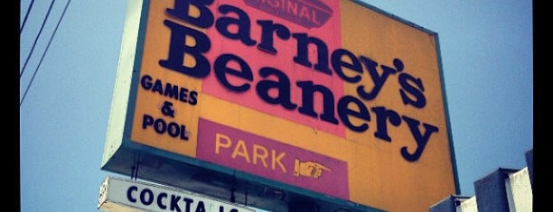 Barney's Beanery is one of Tempat yang Disukai Brandon.