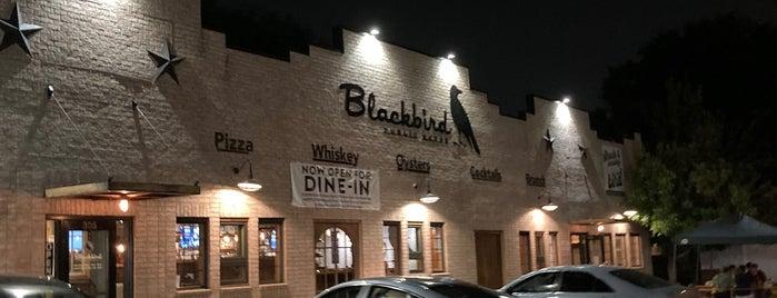 Blackbird Public House is one of Natalie'nin Kaydettiği Mekanlar.