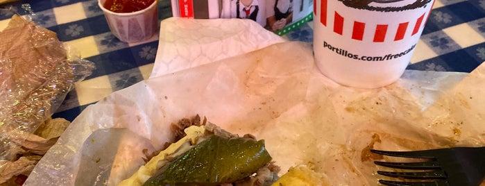 Portillo's is one of Locais curtidos por Ted.
