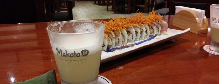 Makoto Sushi Bar is one of Posti che sono piaciuti a Julio D..