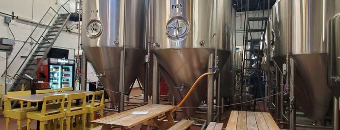 Shades Of Pale Brewing Company is one of Park City.