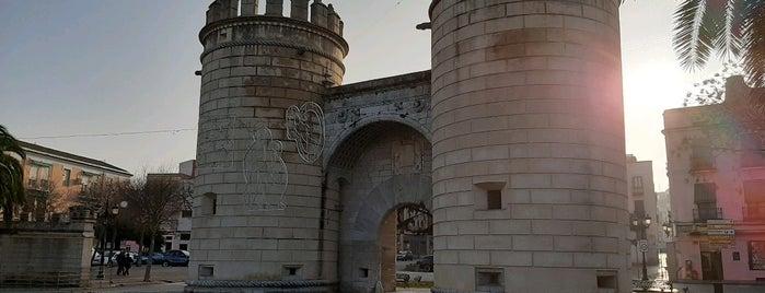 Badajoz is one of Capitales de provincia.