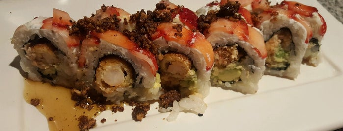 Sushi Roll is one of Lugares favoritos de Mel.