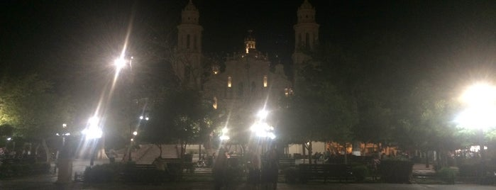 Plaza Zaragoza is one of Orte, die Omar gefallen.