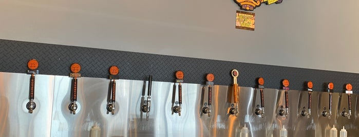 Sun King Tap Room and Small-Batch Brewery is one of Orte, die Cole gefallen.