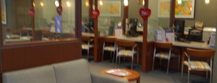 Northwestern Medical Group is one of สถานที่ที่ Lance ถูกใจ.