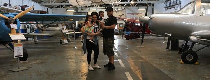 Oakland Aviation Museum is one of Lieux qui ont plu à Amy.