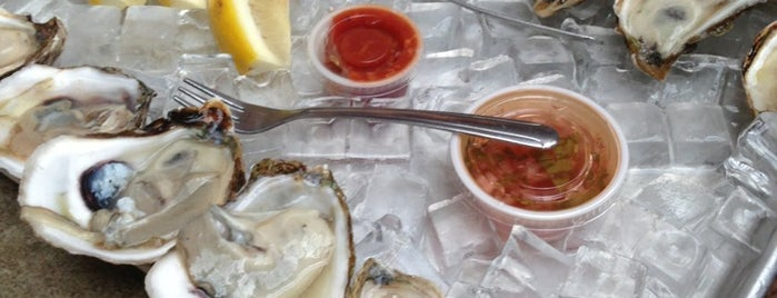 Lobster Joint is one of Oyster happy hours.