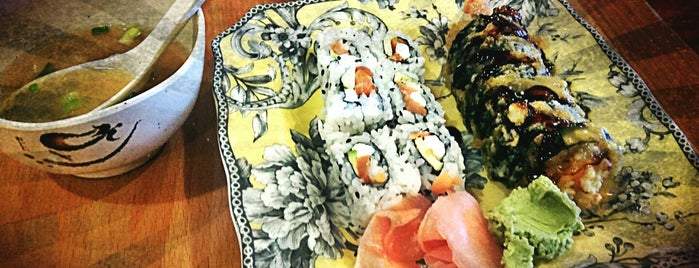 MoonSun Sushi is one of Posti salvati di Janell.
