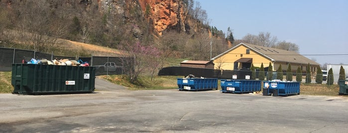 Bartow County Dump (recycling) is one of Paul 님이 좋아한 장소.