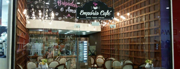 Empório Café is one of Lugares favoritos de Raphaël.