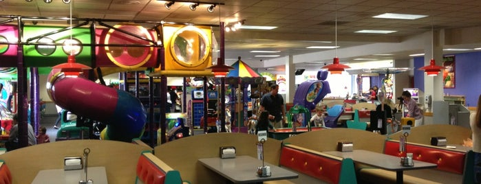 Chuck E. Cheese's is one of Posti che sono piaciuti a Samah.