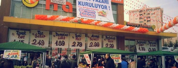 Happy Center is one of Orte, die Mehmet Fatih gefallen.