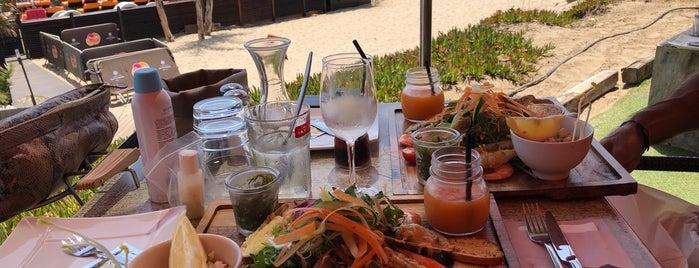 Sun Beach Restaurant - Bar de Plage is one of Lugares favoritos de Can.