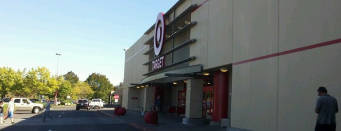 Target is one of Lugares favoritos de Colleen.