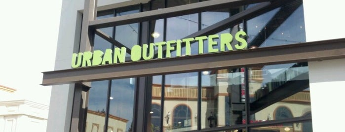 Urban Outfitters is one of Lugares favoritos de Rosana.