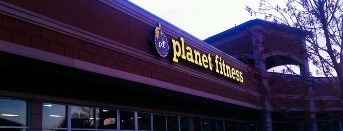 Planet Fitness is one of Locais curtidos por Kevin.