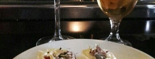 Hacienda la coracera is one of Restaurantes con Vinos de Madrid.