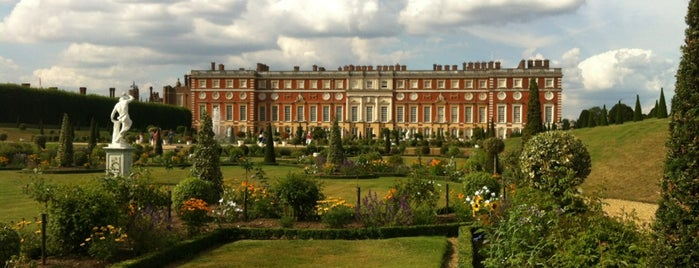 Hampton Court Palace is one of London.