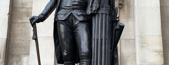George Washington Statue is one of Okan'ın Beğendiği Mekanlar.