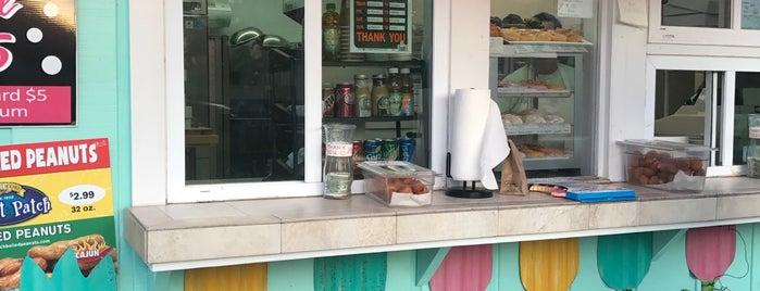 Flip Flop Donut Shop is one of สถานที่ที่ Arthur ถูกใจ.