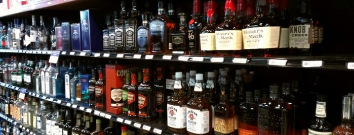 Hunt Valley Wine, Liquor & Beer is one of Megan : понравившиеся места.