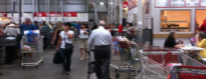 Costco Wholesale is one of Phoenix 💥💥💥's Liked Places.
