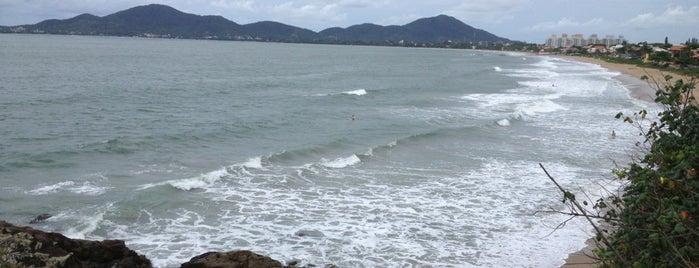 Praia do Quilombo is one of Orte, die Michele gefallen.