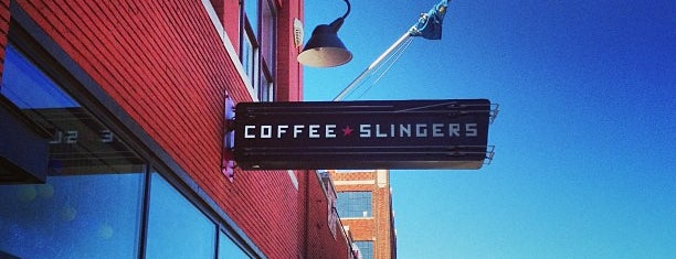 Coffee Slingers is one of Tempat yang Disukai Justin Eats.