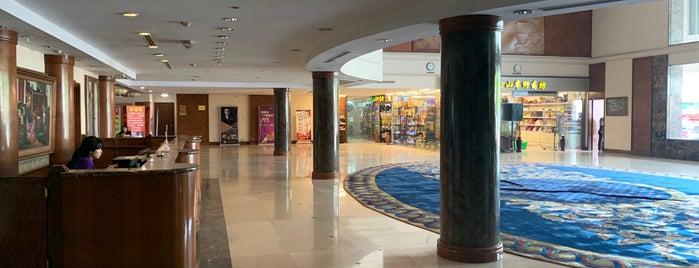 Seasons Of Yangon Hotel is one of おれが泊まった世界の安宿.