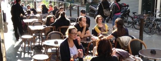 Le Village Café is one of Paris (17).