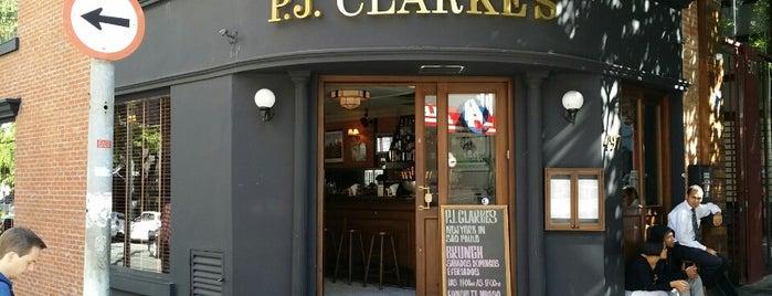 P.J. Clarke's is one of Lugares legais em São Paulo.