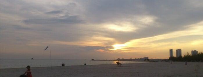 Pantai Klebang is one of Gespeicherte Orte von Mark.