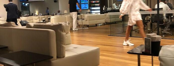 THY Domestic CIP Lounge is one of Posti che sono piaciuti a ZxZ.