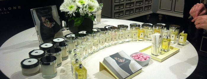 Jo Malone is one of Posti salvati di Maria.