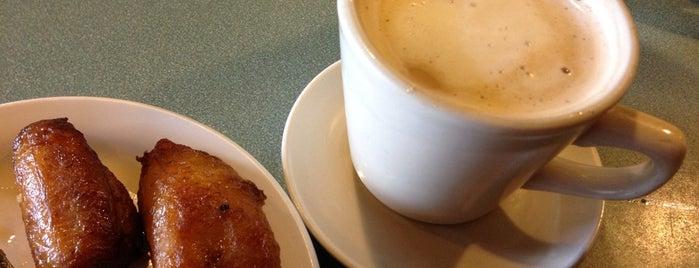 Back to Cuba Café is one of Locais curtidos por Connie.