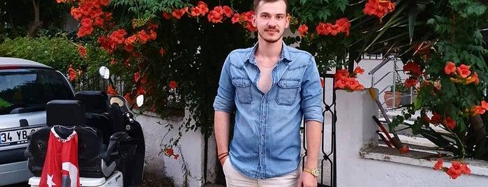 Akçay Edremit is one of Lieux qui ont plu à Murat karacim.