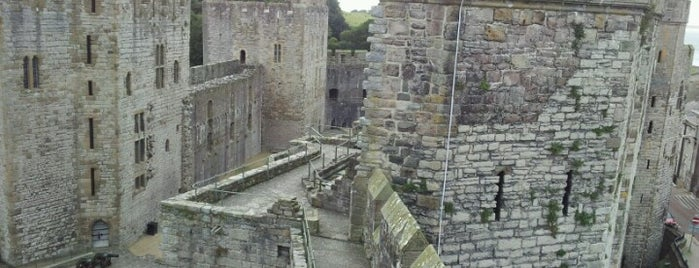 Castello di Caernarfon is one of ЛОНДРЕСОвое.