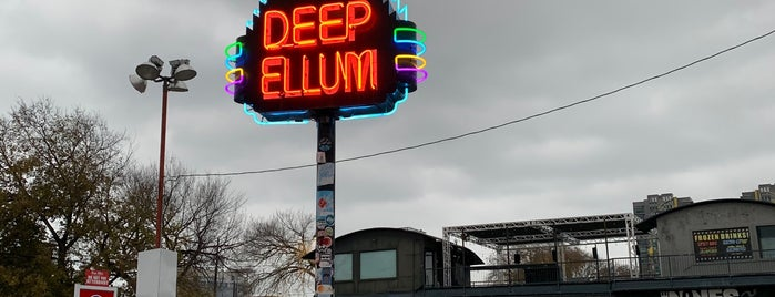 Deep Ellum is one of Tempat yang Disukai KATIE.