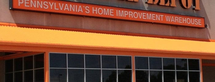The Home Depot is one of Lieux qui ont plu à Beth.