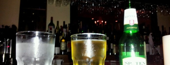 Joseph's Wine Bar & Cafe is one of Lugares favoritos de T.