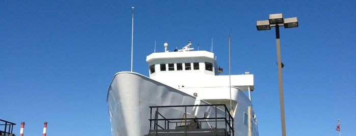 Port Jefferson Ferry Terminal is one of Felipe'nin Beğendiği Mekanlar.