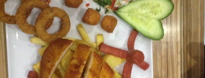 İstanbul Cafe&Bistro is one of Lugares guardados de Yasin.