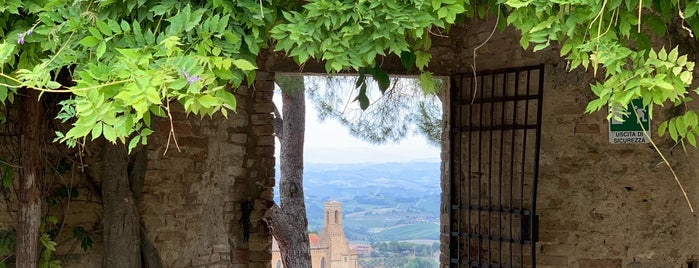 Rocca di Montestaffoli is one of Trips / Tuscany and Lake Garda.