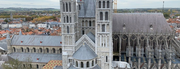 Cathedrale Notre-Dame de Tournai is one of Tournai.