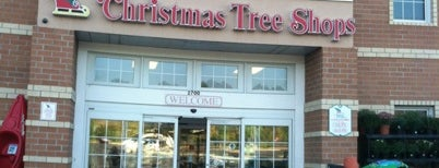 Christmas Tree Shops is one of Tempat yang Disukai Jason.