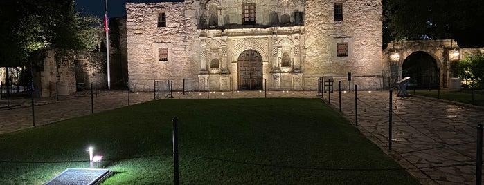 Fortress Alamo: The Key To Texas is one of Tempat yang Disukai Krzysztof.