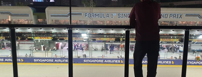 Singapore F1 GP: Pit Grandstand Sky Suites is one of For Singapore.