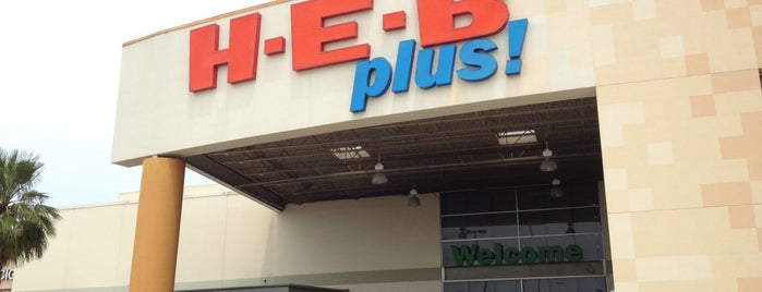 H-E-B plus! is one of Lugares favoritos de Maria.