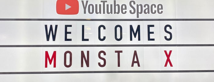 YouTube NY is one of Lieux qui ont plu à SV.